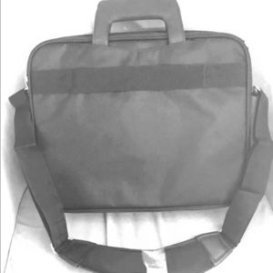 Black laptop carrying case up to 15.6